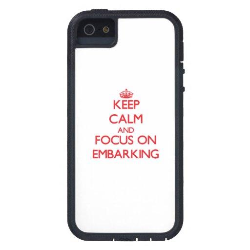 Mantenha a calma e o foco no EMBARQUE Capas iPhone 5
