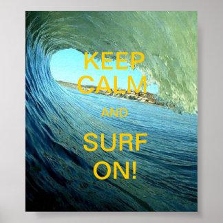 Mantenha a calma e surfe-a sobre! pôster