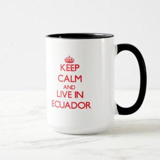 Mantenha a calma e viva em Equador Caneca