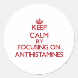Mantenha a calma focalizando em antistamínicos adesivo