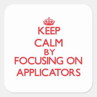Mantenha a calma focalizando em aplicadores adesivo