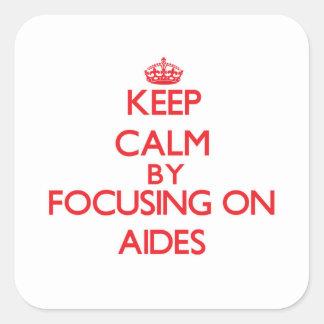 Mantenha a calma focalizando em assistente adesivo