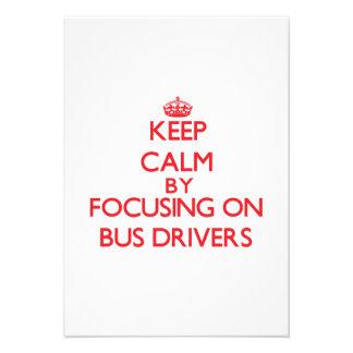 Mantenha a calma focalizando em condutores de convite