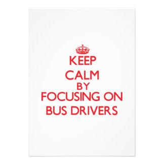 Mantenha a calma focalizando em condutores de convite personalizados