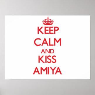 Mantenha calmo e beijo Amiya Impressão