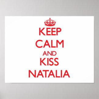 Mantenha calmo e beijo Natalia