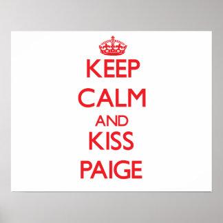 Mantenha calmo e beijo Paige