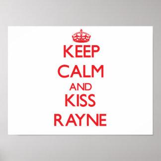 Mantenha calmo e beijo Rayne