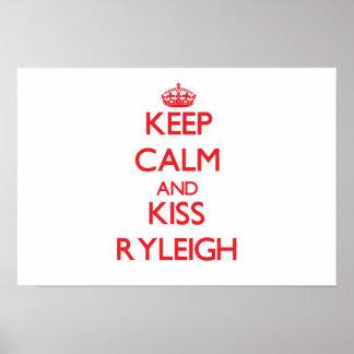Mantenha calmo e beijo Ryleigh