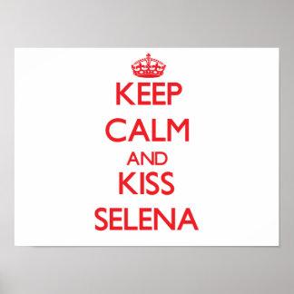 Mantenha calmo e beijo Selena