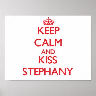 Mantenha calmo e beijo Stephany