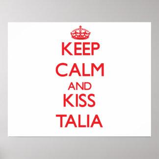 Mantenha calmo e beijo Talia