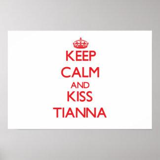 Mantenha calmo e beijo Tianna
