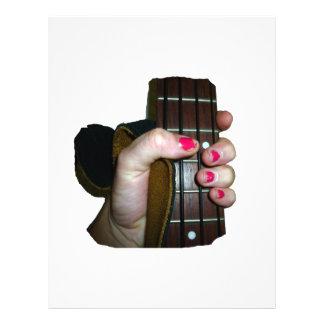 Mão fêmea que guardara o pescoço baixo de corda qu panfletos personalizados