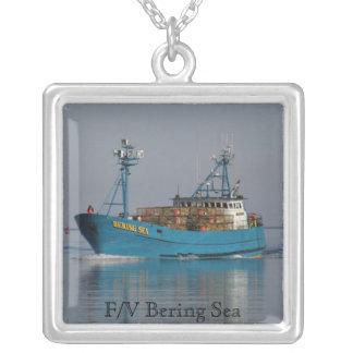 Mar de Bering, barco do caranguejo no porto holand Colar Banhado A Prata