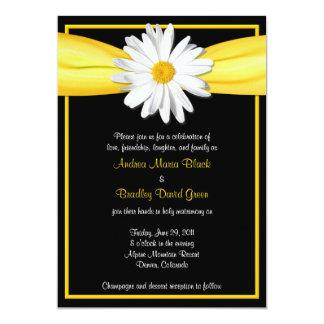 Margarida de Shasta com convite amarelo da fita