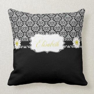 Margaridas brancas pretas do travesseiro almofada