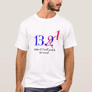 meio design engraçado do t-shirt da maratona