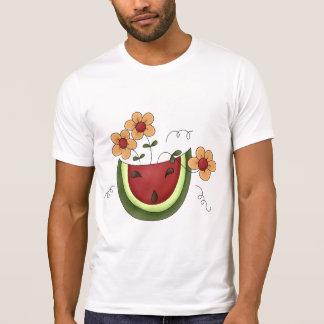 Melancia e t-shirt dos homens das margaridas