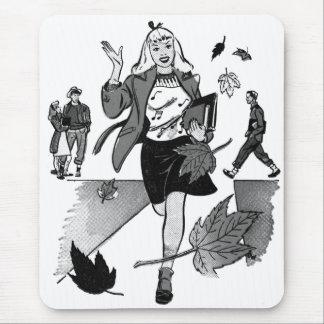 Menina adolescente da banda desenhada do vintage mouse pad