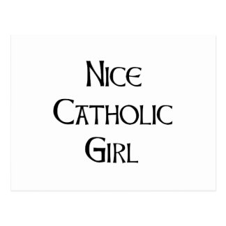 Menina católica agradável cartão postal