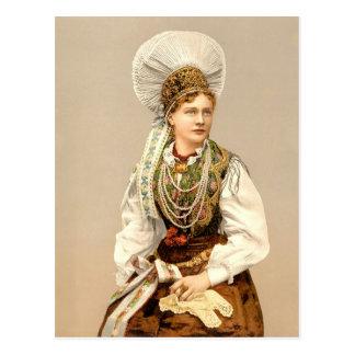 Menina no traje nativo de Carniola, Austro-Hungria Cartão Postal