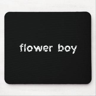 Menino da flor mouse pad
