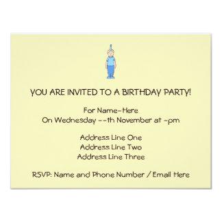 Menino do aniversário no azul convite 10.79 x 13.97cm