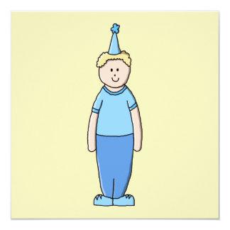 Menino do aniversário no azul convite quadrado 13.35 x 13.35cm