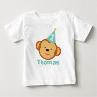 Menino do macaco do primeiro aniversario com nome camisetas
