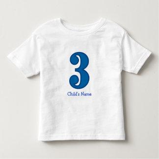 menino do número três, o nome da criança t-shirt