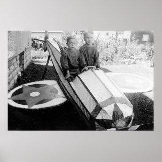 Meninos em um carro do Sabão-Box Poster