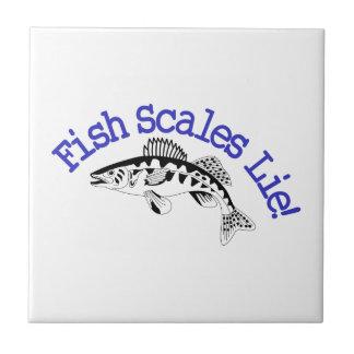 Mentira das escalas de peixes azulejo quadrado pequeno