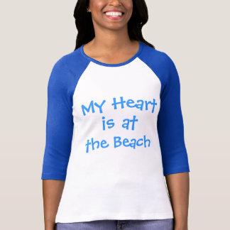 Meu coração está na praia tshirt
