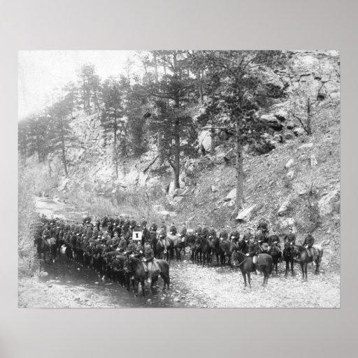 Militares na fotografia das fileiras a cavalo posteres