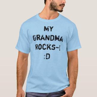 Minha avó Rocks~!: D Camiseta