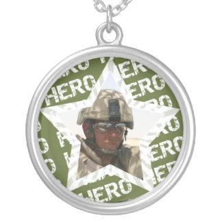Minha colar da foto do soldado do herói