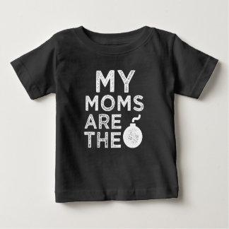 Minhas mães são a camisa engraçada do bebê da