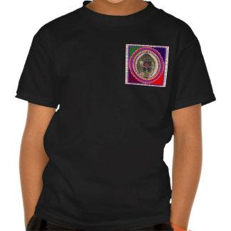 MODELO elegante dos PRESENTES das camisas do Tshirts