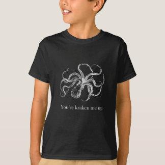 Modelo escuro do vertical do t-shirt dos miúdos