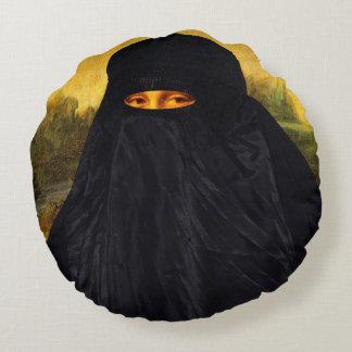 Mona Lisa escondida atrás de Burqa Almofada Redonda