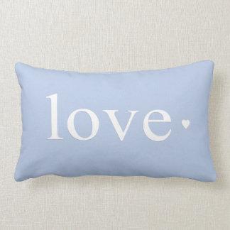 Monograma azul do coração do amor travesseiros