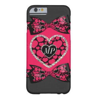 Monograma cor-de-rosa e preto dos corações da capa barely there para iPhone 6