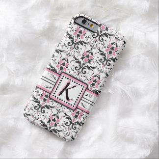 Monograma preto e cor-de-rosa do damasco capa barely there para iPhone 6