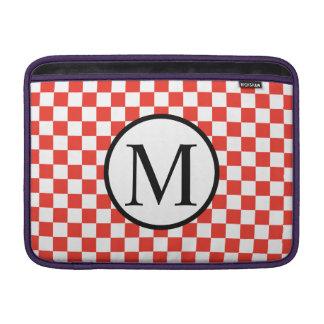 Monograma simples com tabuleiro de damas vermelho bolsas de MacBook air