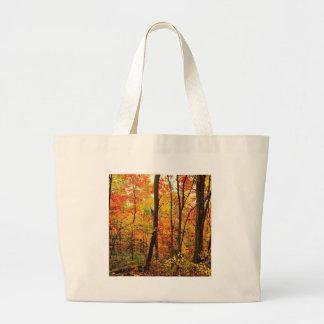 Montanhas apalaches carmesins da floresta bolsas para compras