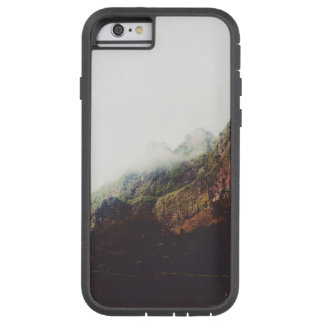 Montanhas enevoadas, cena de relaxamento da capa iPhone 6 tough xtreme