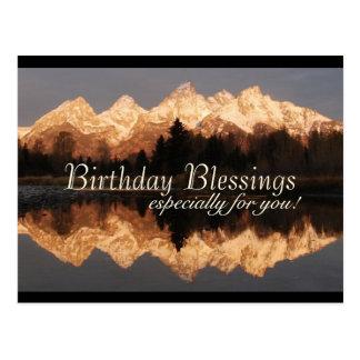 Montanhas surpreendentes da oração das bênçãos do cartão postal