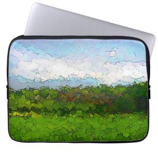 Montanhas verdes capa para laptop