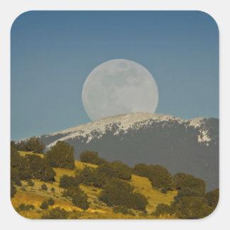 Moonrise sobre o Sangre de Cristo Montanha, Adesivo Quadrado